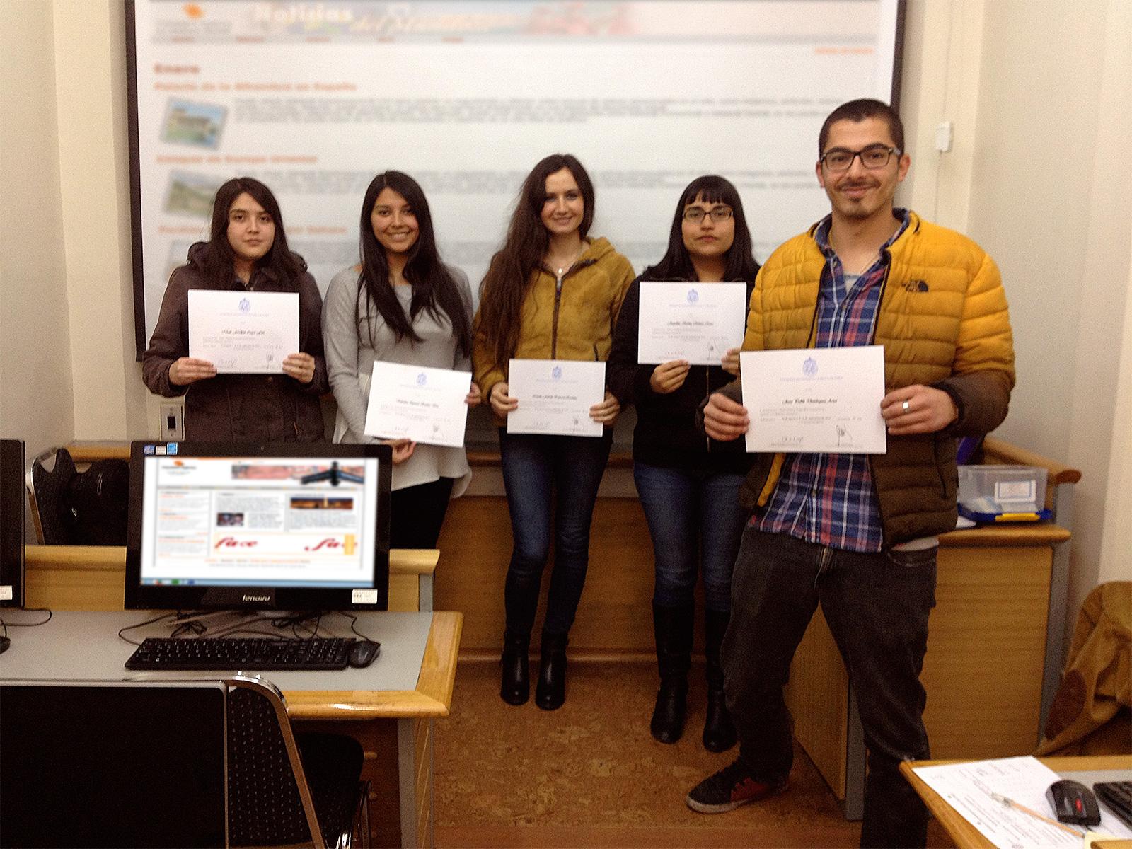 Curso Diseño y Desarrollo Web con Adobe Dreamweaver en Capacitación Continua UC - Prof. Roberto Morales E.