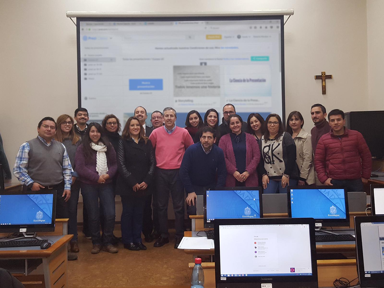 Curso Presentaciones Profesionales con Prezi en Capacitación Continua UC en el Centro de Extensión UC - Roberto Morales E.